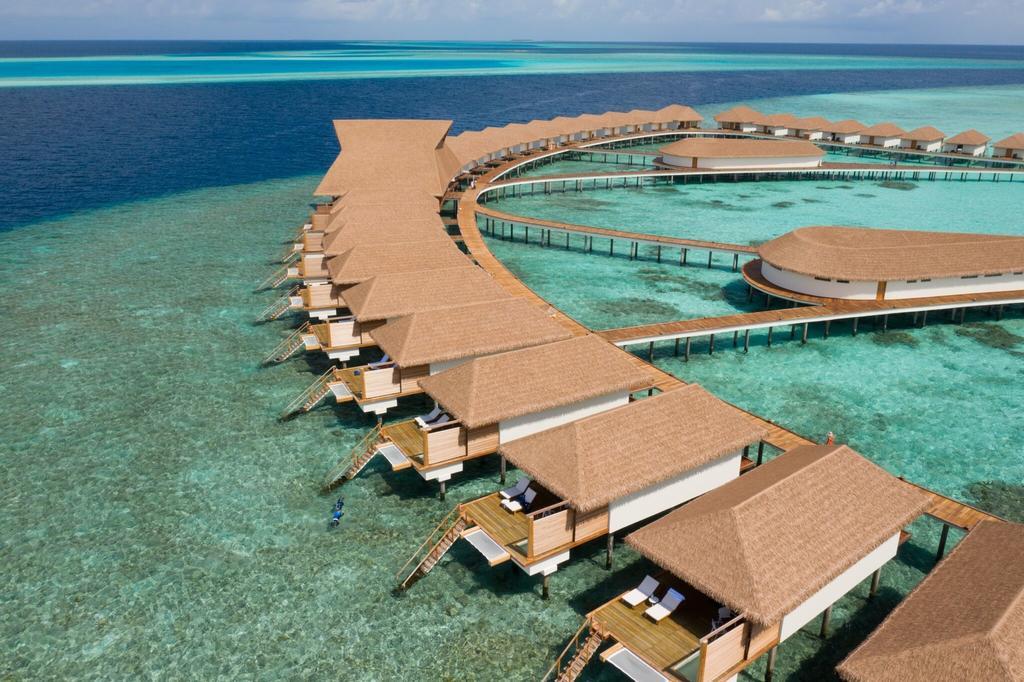 Fiber Thatch Maldives_Cinnamon Velifushi 01