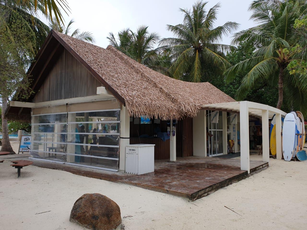 Fiber Thatch Maldives_Holiday Inn Kandooma 03